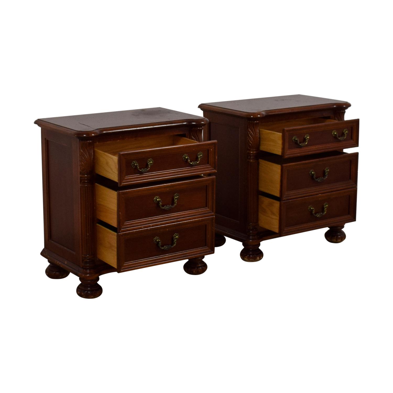Hooker Furniture Hooker Furniture Three-Drawer Mahogany Night Stands