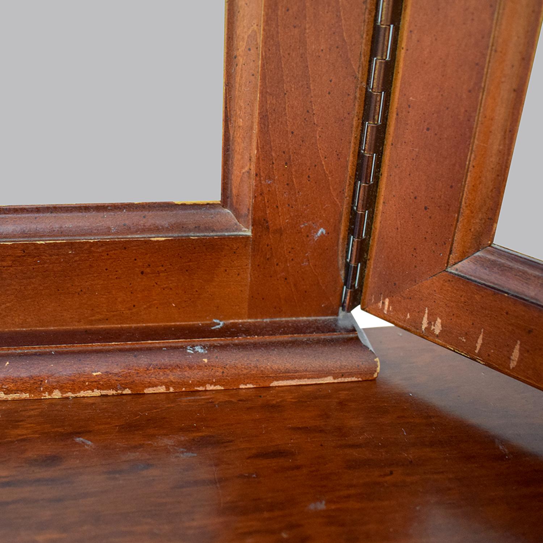 Hooker Mahogany Nine-Drawer Dresser with Mirror / Dressers