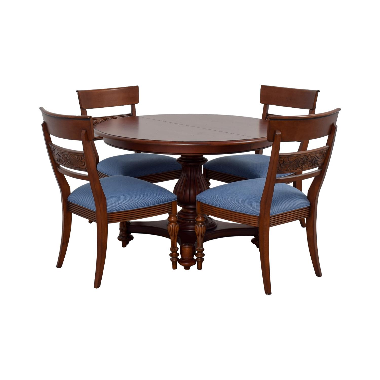 Ethan Allen Ethan Allen Round Extendable Dining Set brown
