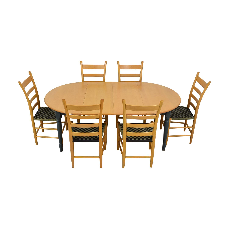 Nichols & Stone Nichols & Stone Round Extendable Dining Set