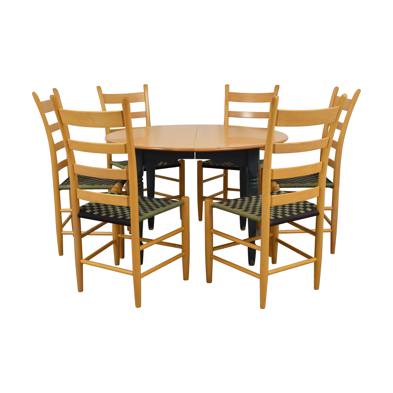 Nichols & Stone Nichols & Stone Round Extendable Dining Set dimensions
