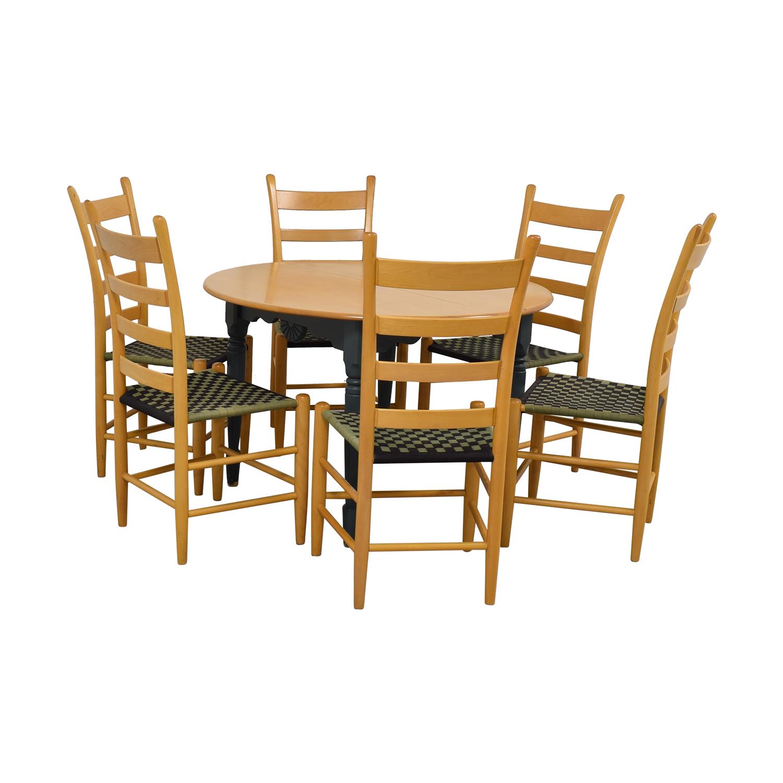 Nichols & Stone Nichols & Stone Round Extendable Dining Set nj