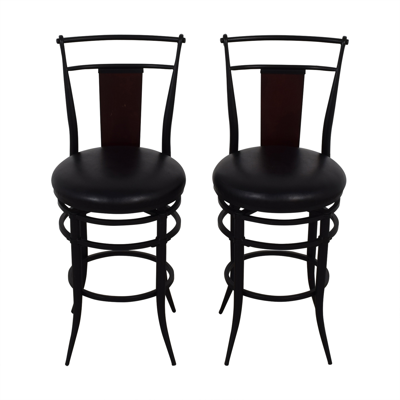 Hillsdale Furniture Hillsdale Furniture Midtown Black Swivel Counter Stools
