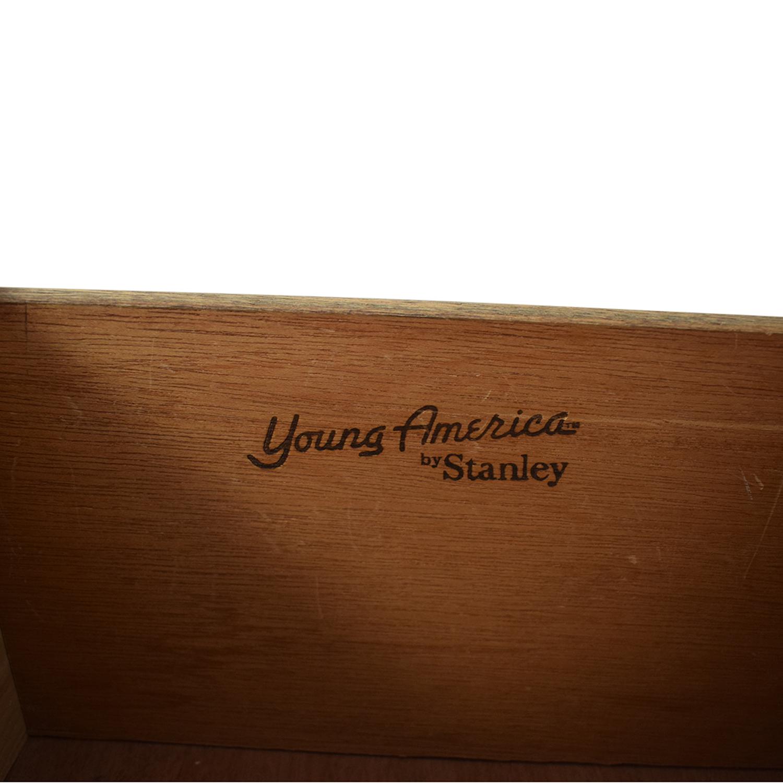 Stanley Stanley Young American Seven-Drawer Dresser