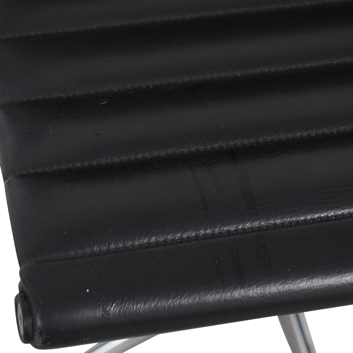 shop Herman Miller Eames Aluminum Black Leather Office Chair Herman Miller Chairs