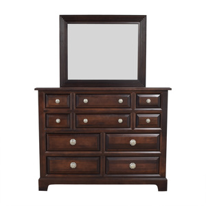 Vaughan-Bassett Vaughan-Bassett Ten-Drawer Dresser and Mirror nj