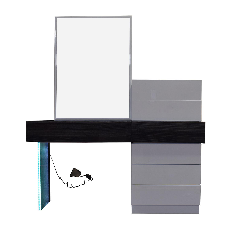 Wade Logan Wade Logan Linehan Seven-Drawer Dresser discount