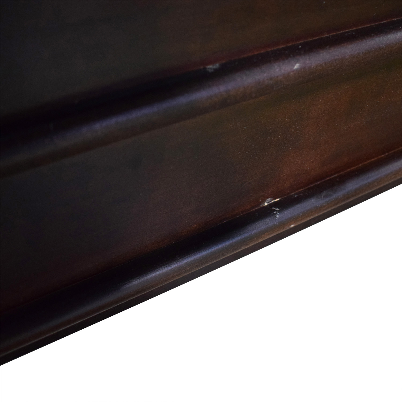 Vaughan-Bassett Furniture Vaughan-Bassett Furniture Louis Queen Sleigh Bed