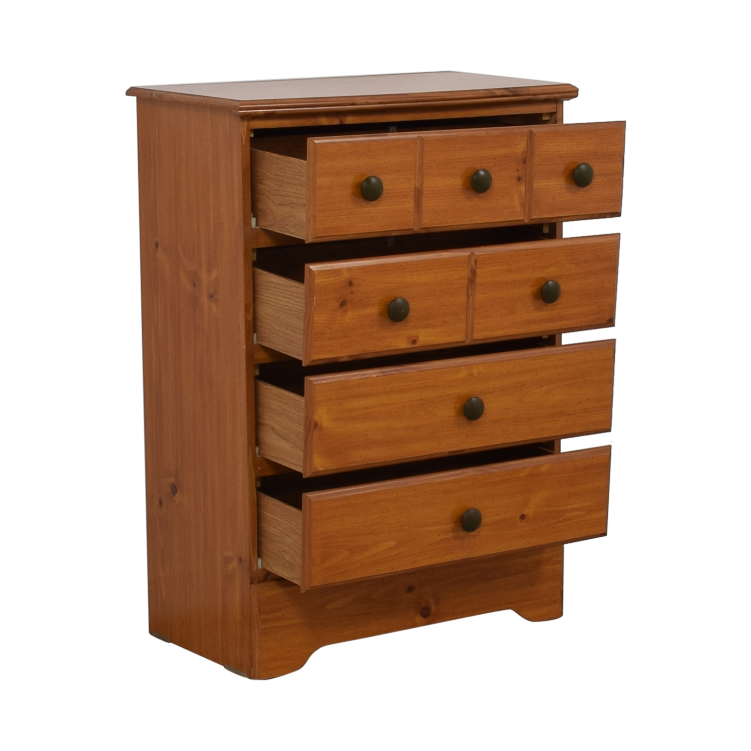 Chestnut Four-Drawer Chest of Drawers / Dressers
