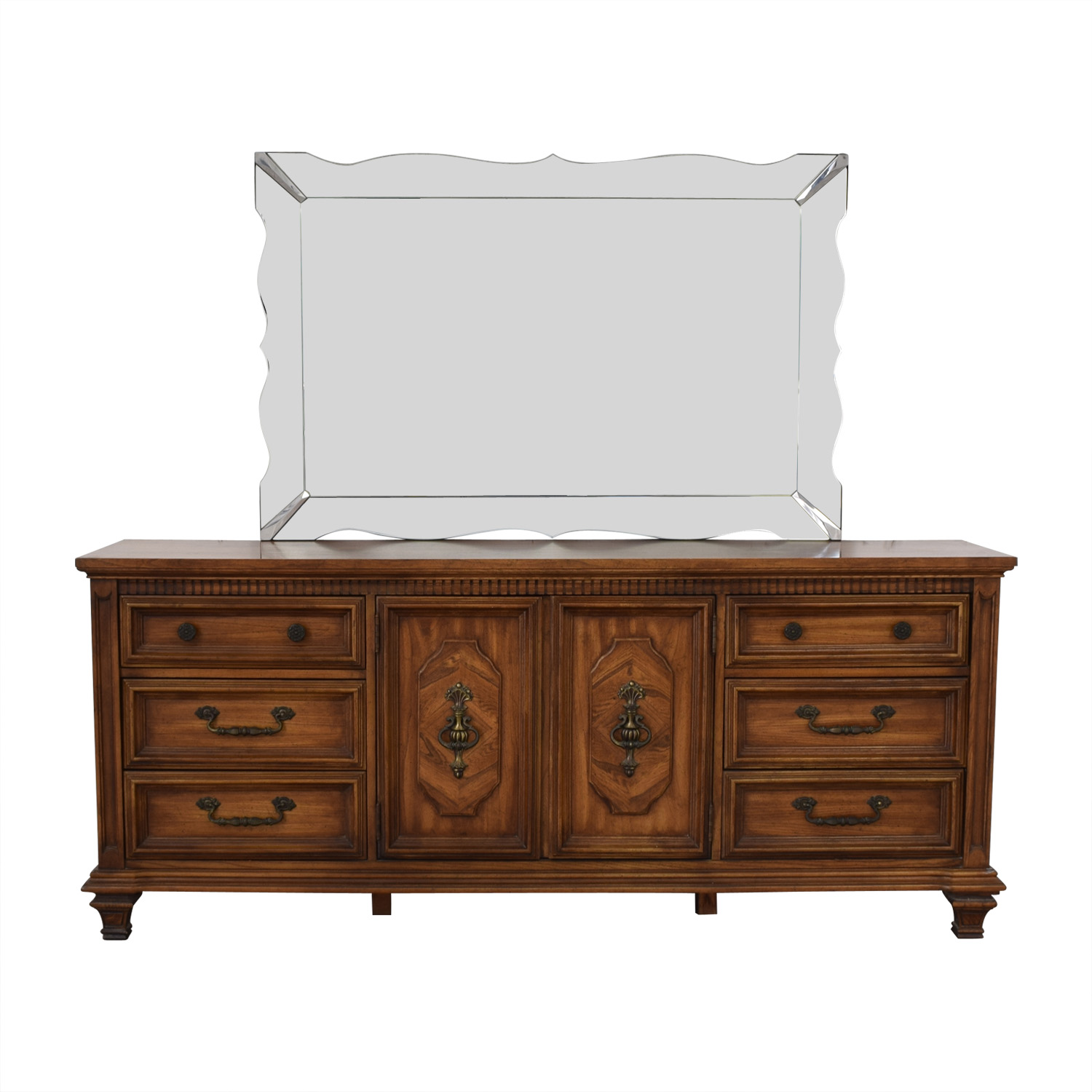 Albe Furniture Nine-Drawer Dresser with Scalloped Mirror / Storage