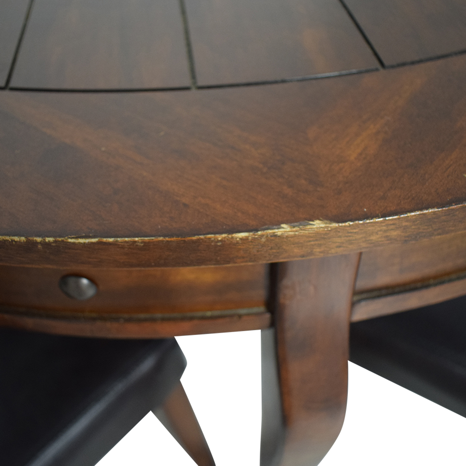 Ashley Furniture Round Dining Table with Chairs / Tables