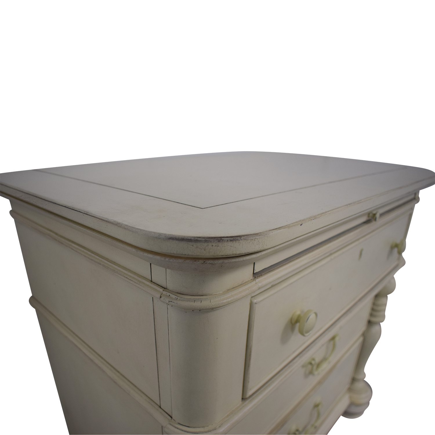 Miraculous 90 Off Universal Furniture Paula Deen Home White Three Drawer Side Table With Tray Tables Ibusinesslaw Wood Chair Design Ideas Ibusinesslaworg