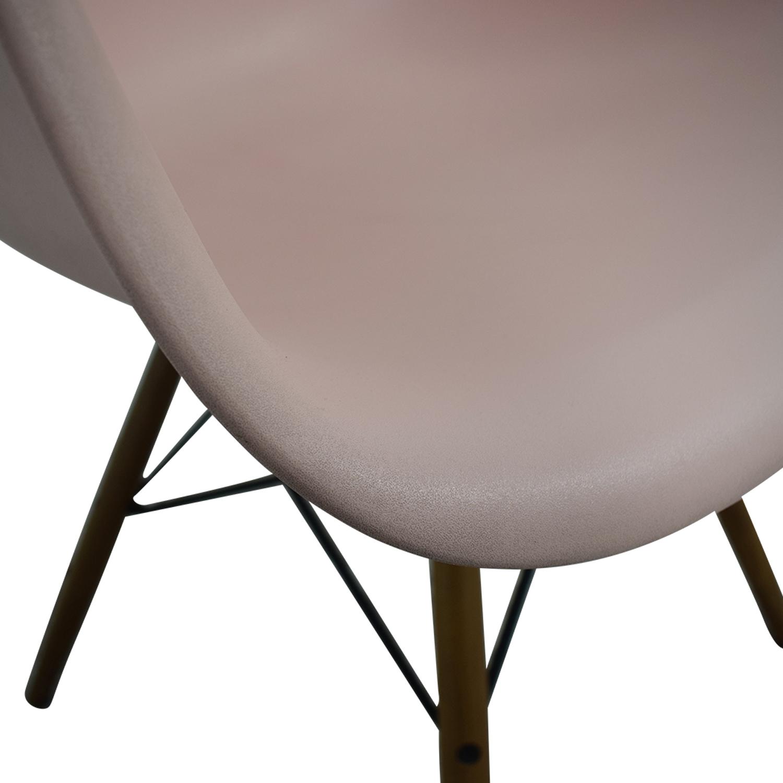 Herman Miller Herman Miller Eames Blush Molded Plastic Dowel Leg Chair second hand
