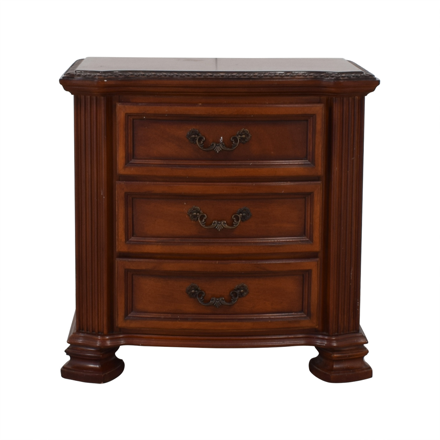 Raymour & Flanigan Raymour & Flanigan Nightstand Tables