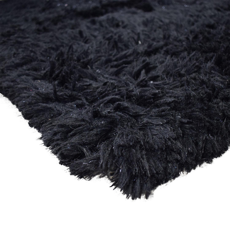 Posh Dark Rug / Decor