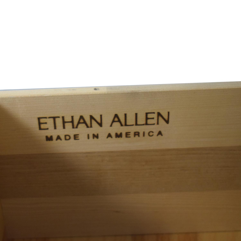Ethan Allen Six-Drawer Dresser / Dressers