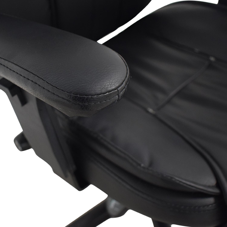 Black Office Arm Chair on Castors Black