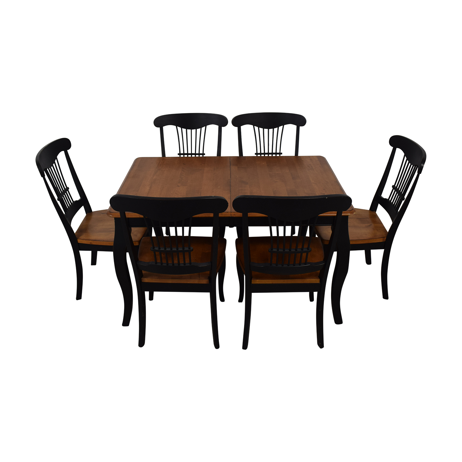 Raymour & Flanigan Dining Table and Chairs / Tables
