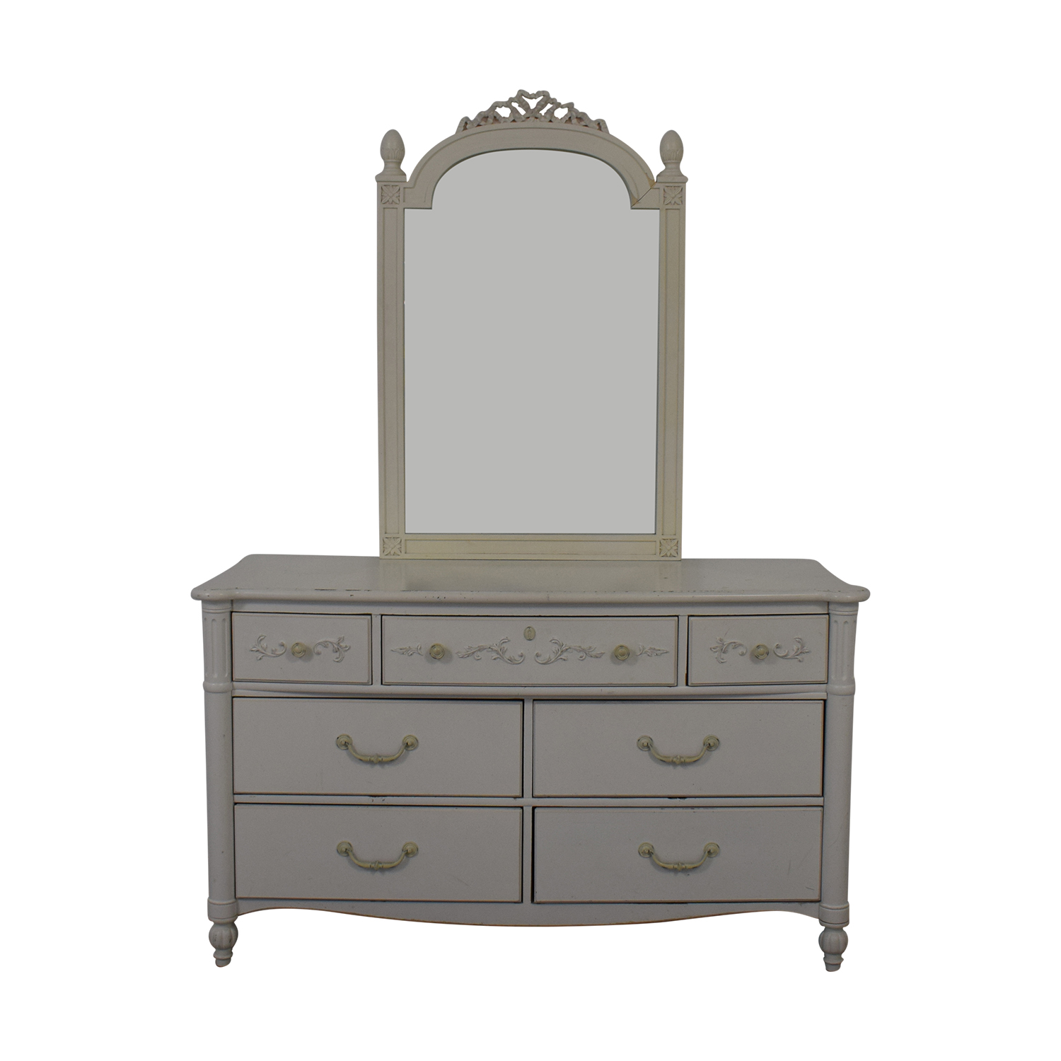 Stanley Furniture Seven Drawer Dresser With Mirror Storage