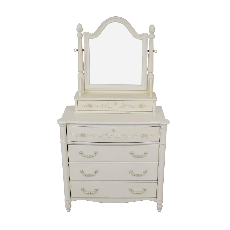 Stanley Furniture Stanley Furniture Drawer Dresser with Mirror discount