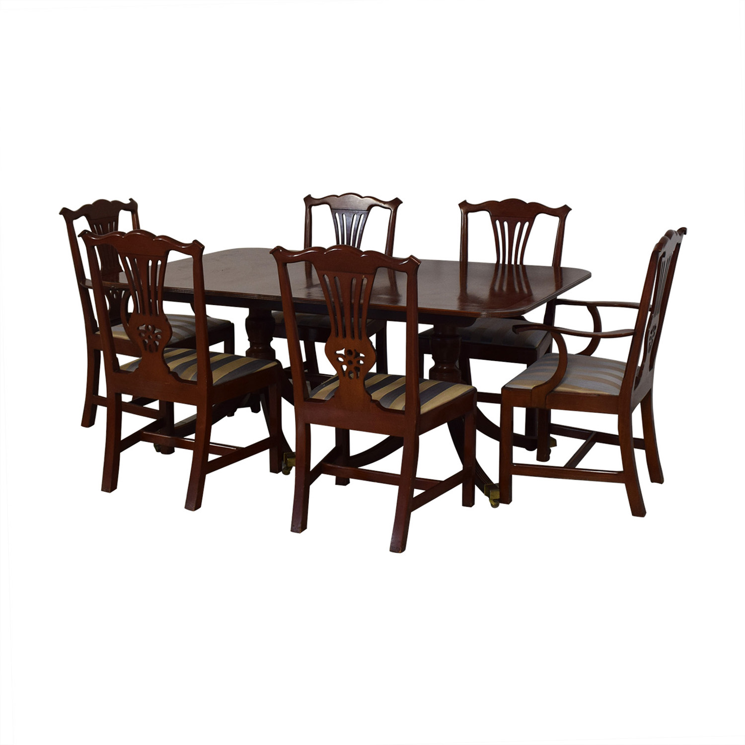 Baker Furniture Dining Room Table and Chairs / Tables