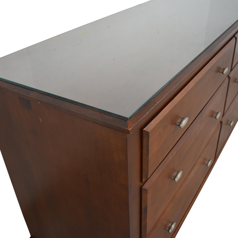 Ethan Allen Ethan Allen Six-Drawer Dresser With Glass Top nj