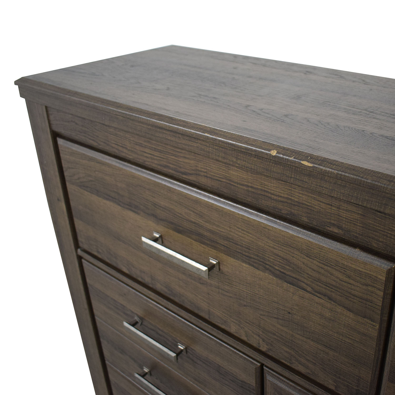Ashley Furniture Ashley Furniture Juararo Dresser second hand