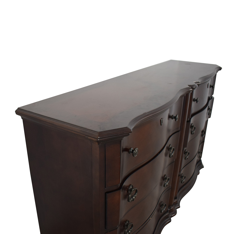 Raymour & Flanigan Raymour & Flanigan Eight Drawer Dresser price