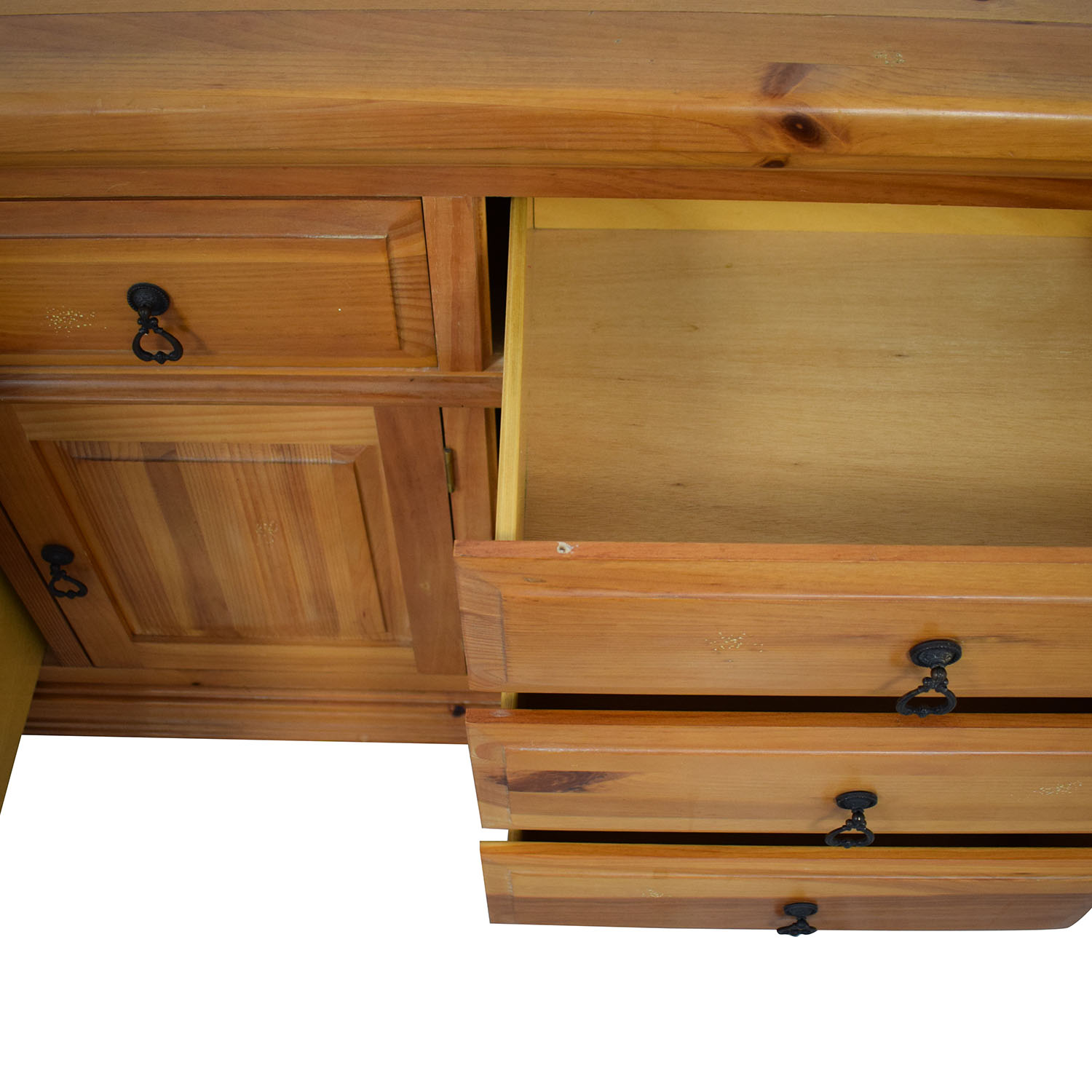 Broyhill Furniture Broyhill Furniture Wood Dresser with Cabinet