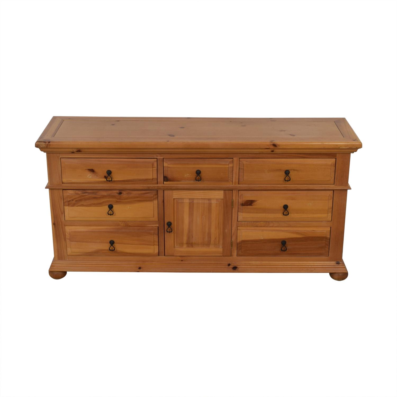 Broyhill Furniture Broyhill Furniture Wood Dresser with Cabinet nj