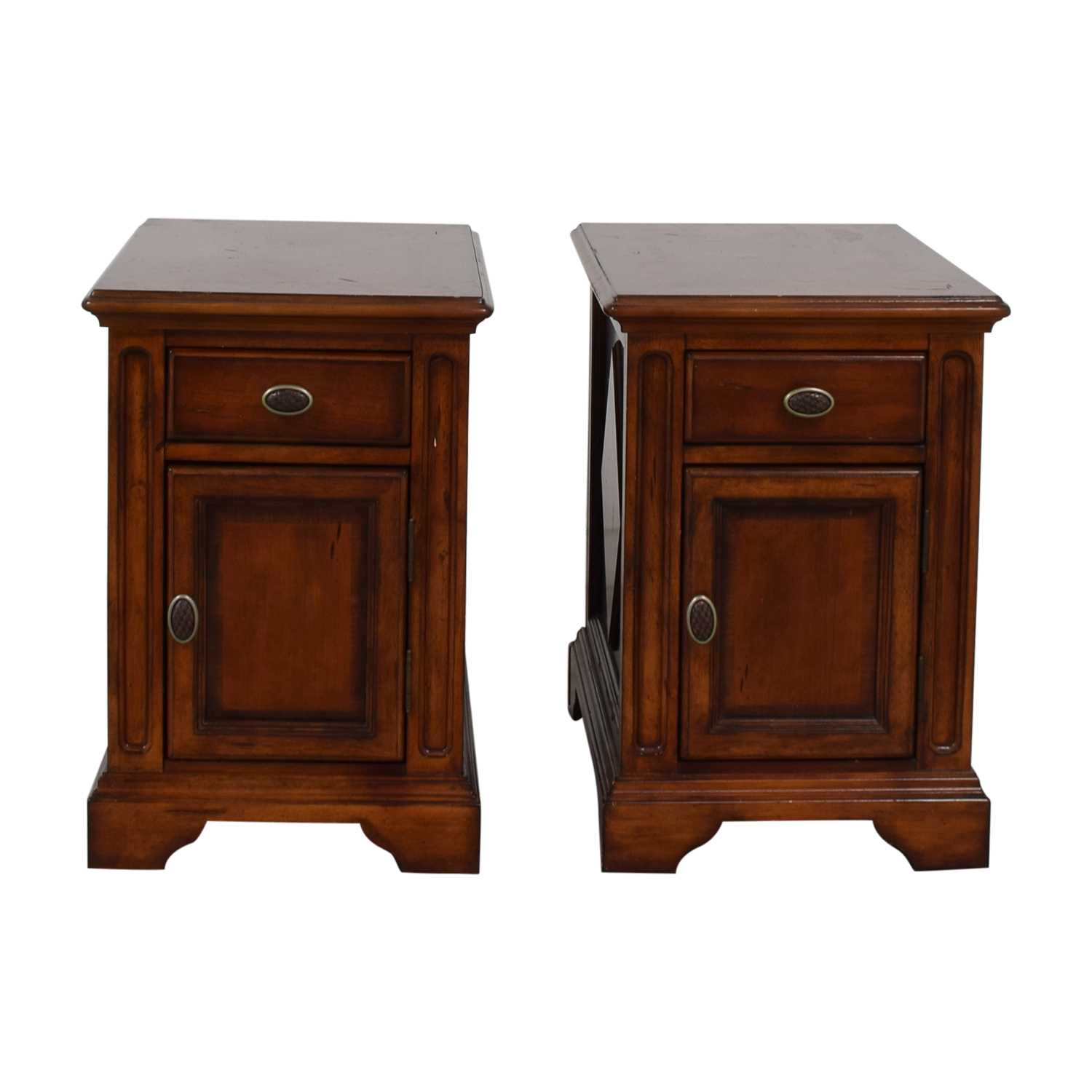 Raymour & Flanigan Raymour & Flanigan Wood Side Tables End Tables