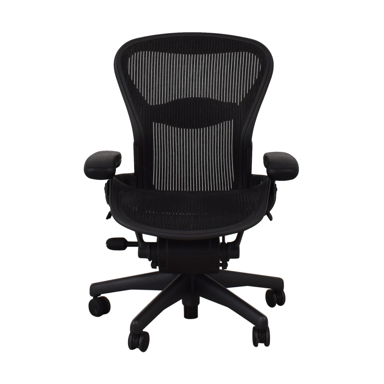 Herman Miller Herman Miller Aeron Chair Size B black