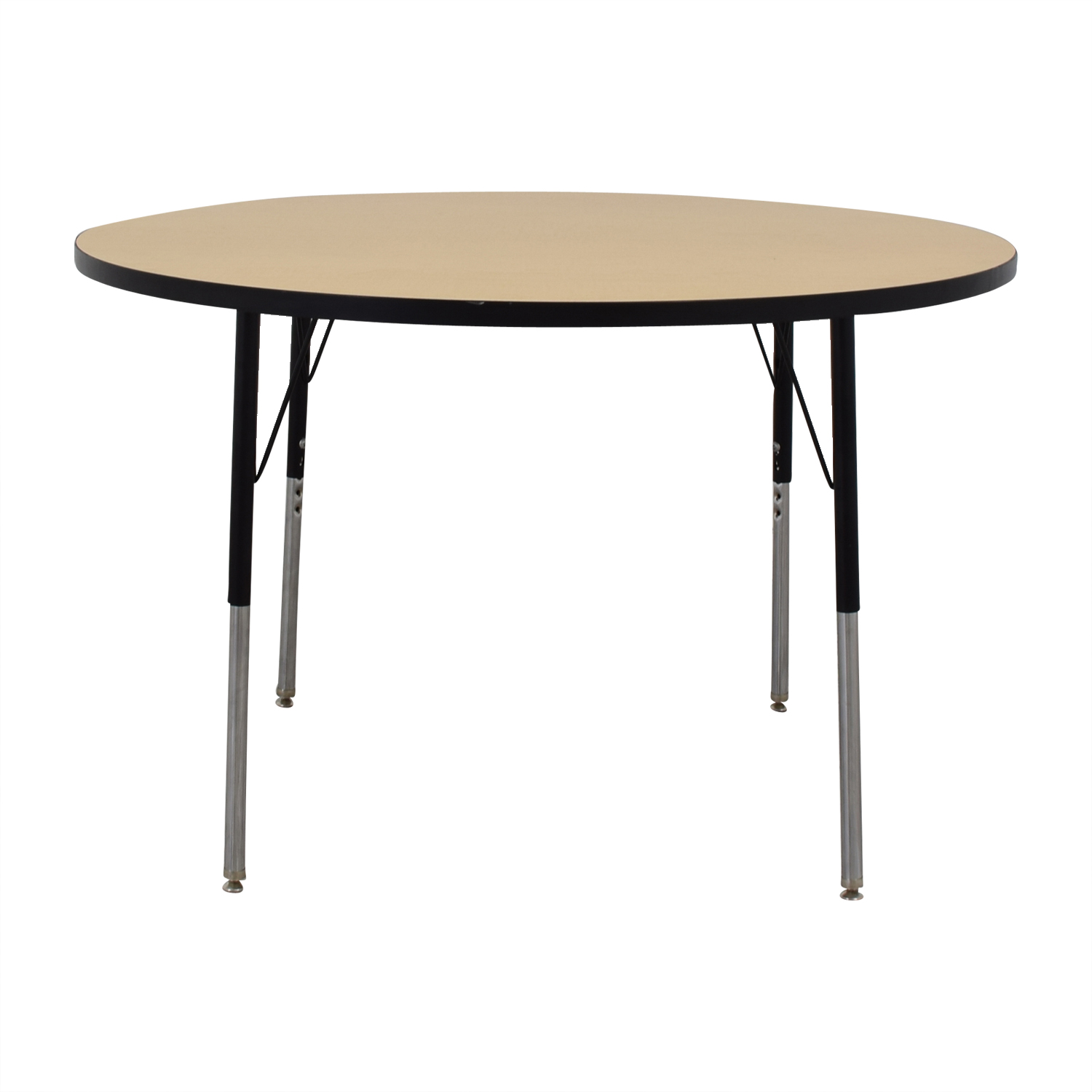Round Activity Table / Tables
