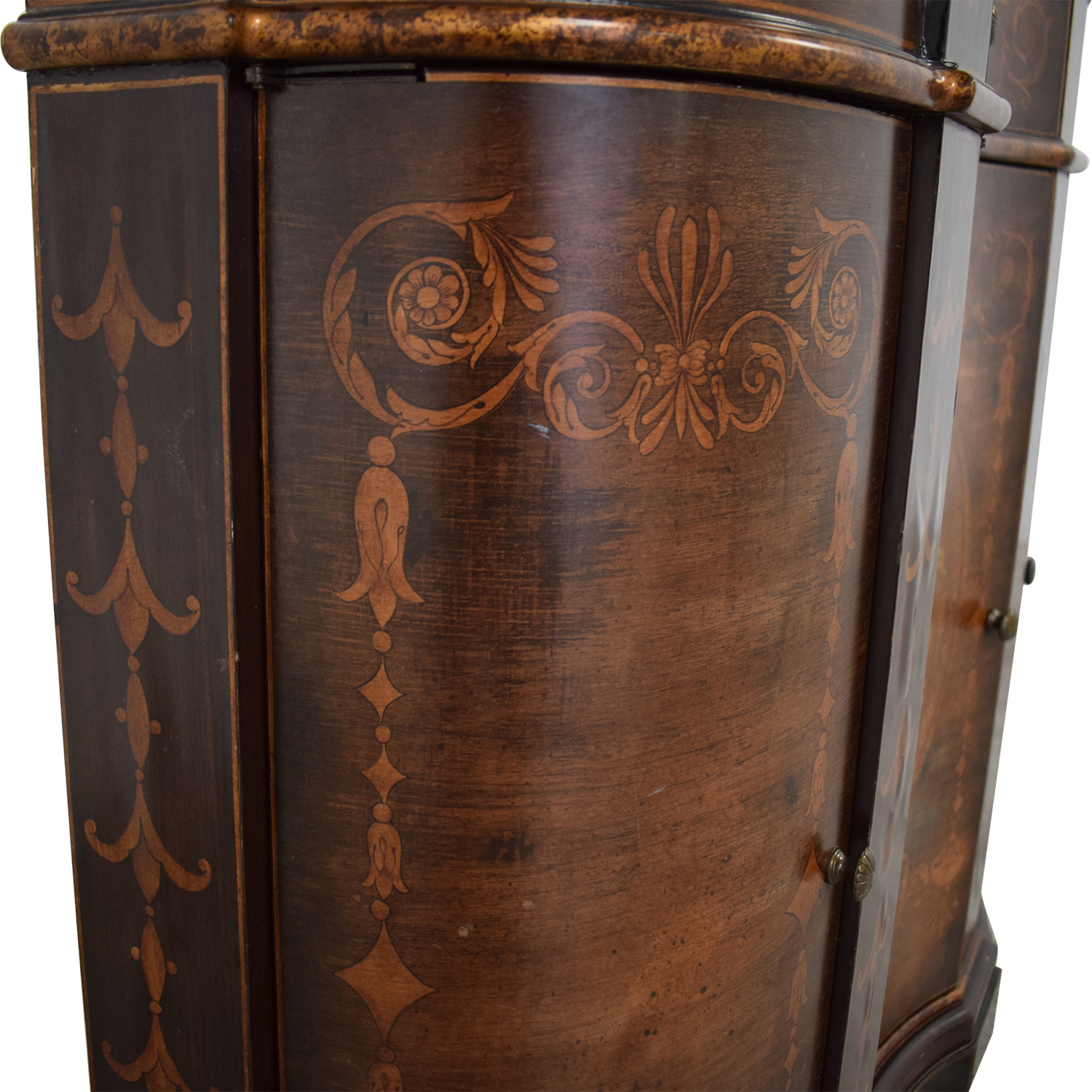 Cabinet with Curved Doors nj