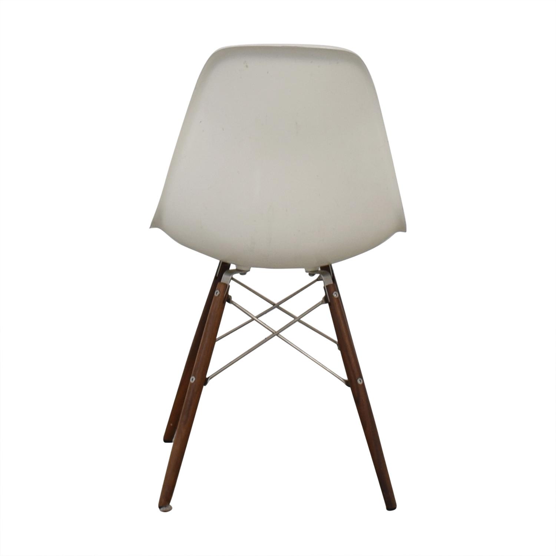 Herman Miller Herman Miller Eames Plastic Molded Chair White dimensions
