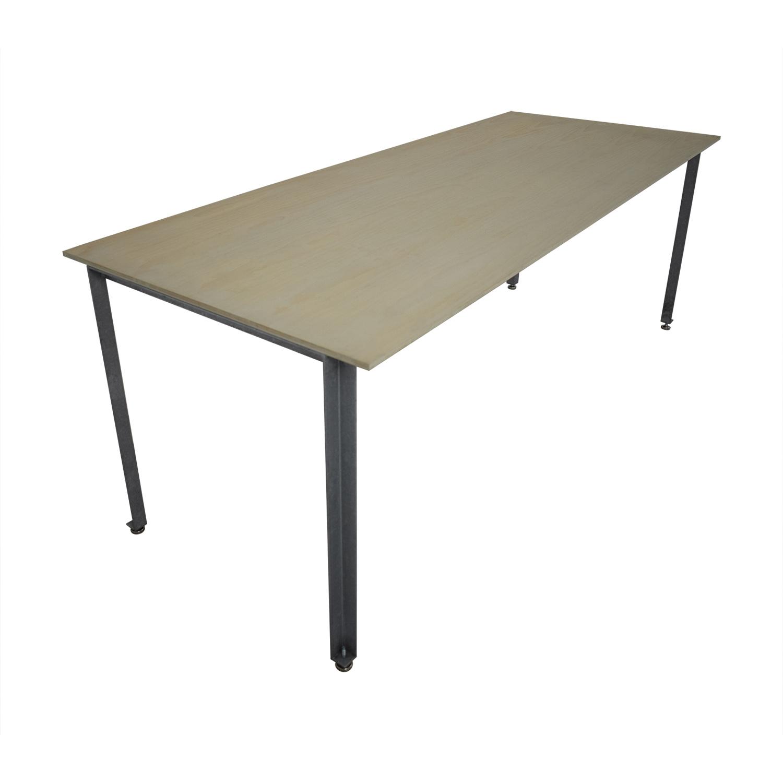 Frama Frama Studio Table