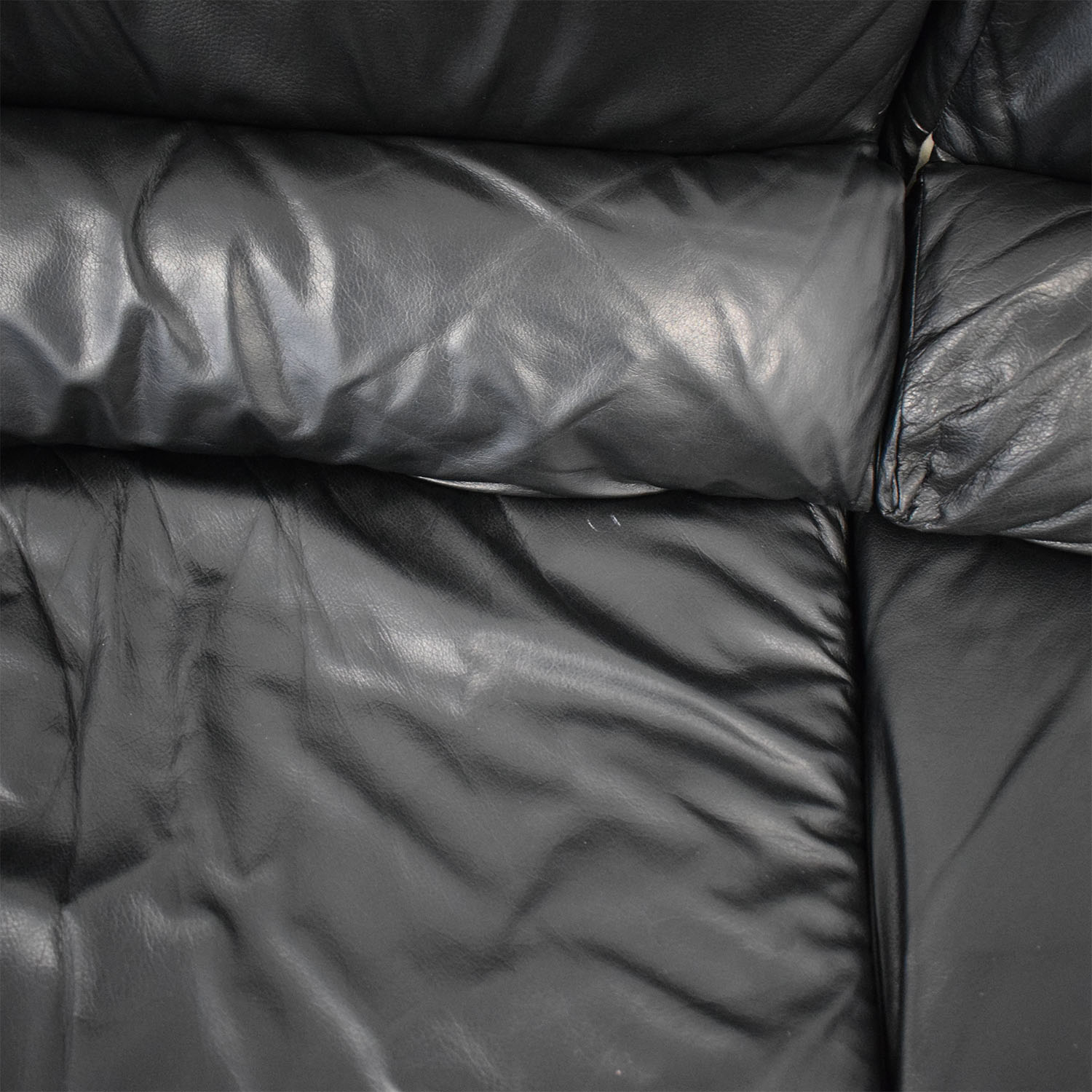 shop Natuzzi Black Leather Loveseat Natuzzi Sofas