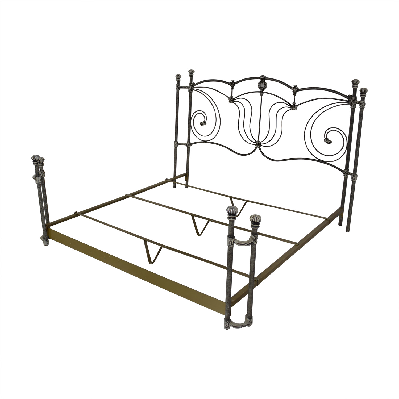 buy popular f53ac 2ac5b 79% OFF - King Metal Bed Frame / Beds