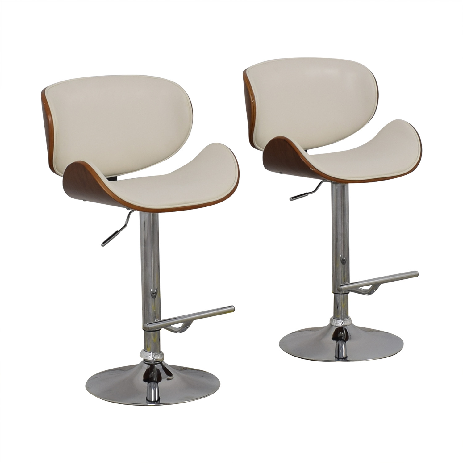 Raymour & Flanigan Raymour & Flanigan Swivel Bar Stools