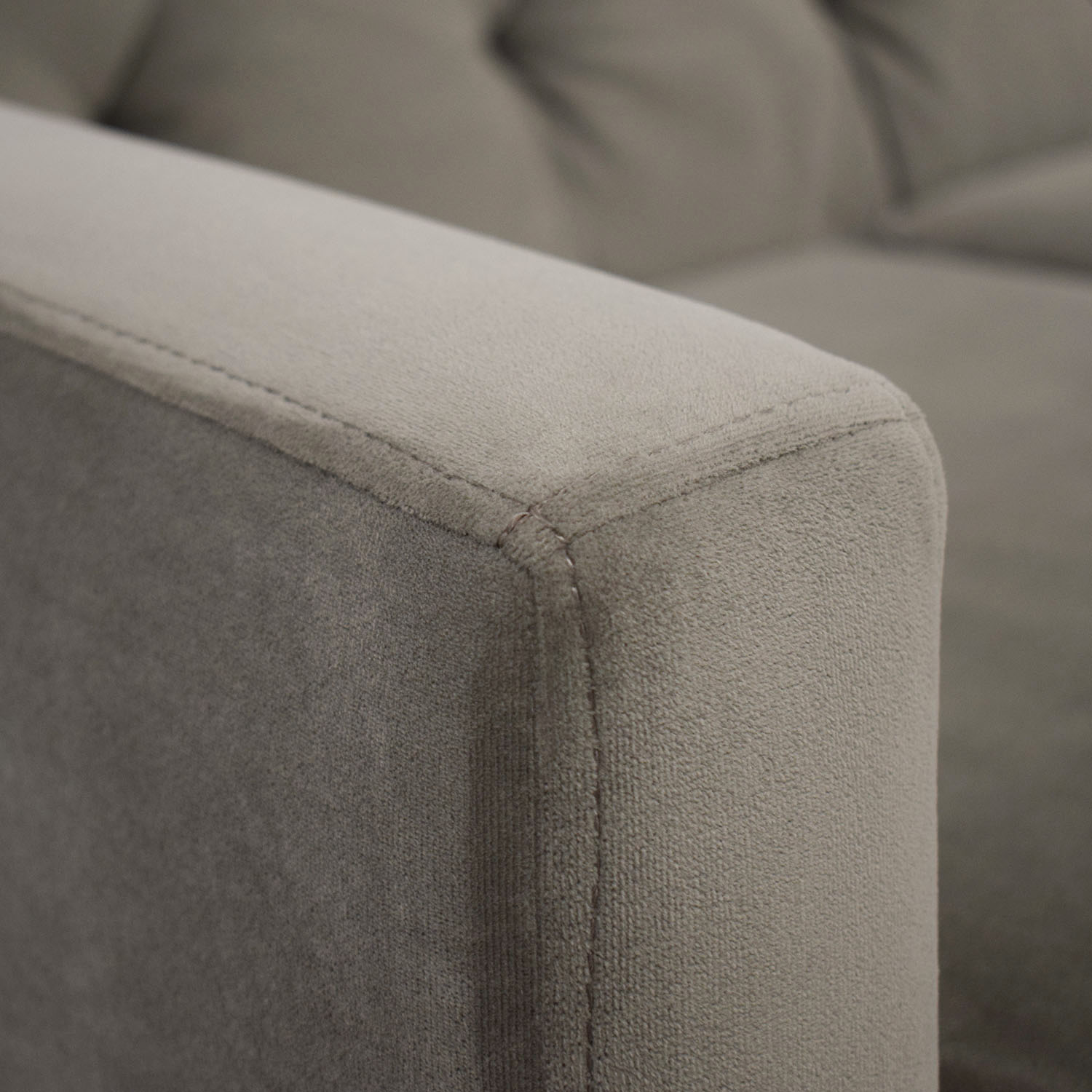Max Home Max Home Better By Design Tufted Velvet Sofa Classic Sofas
