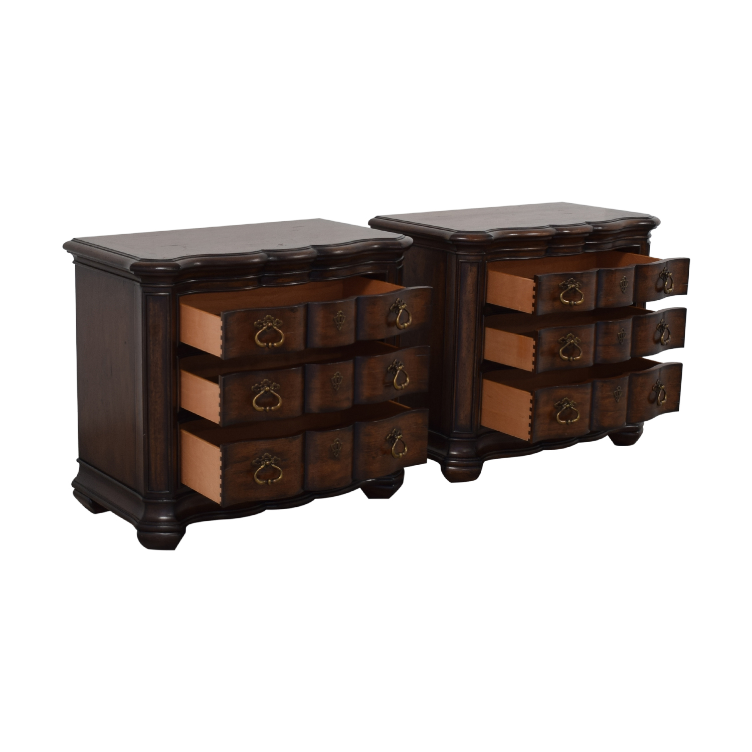 Thomasville Thomasville Hills of Tuscany Lucca Nightstands End Tables