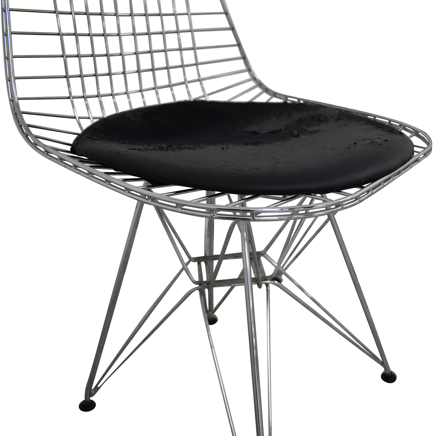 73% OFF   Herman Miller Herman Miller Eames Wire Chair With Seat Pad /  Chairs