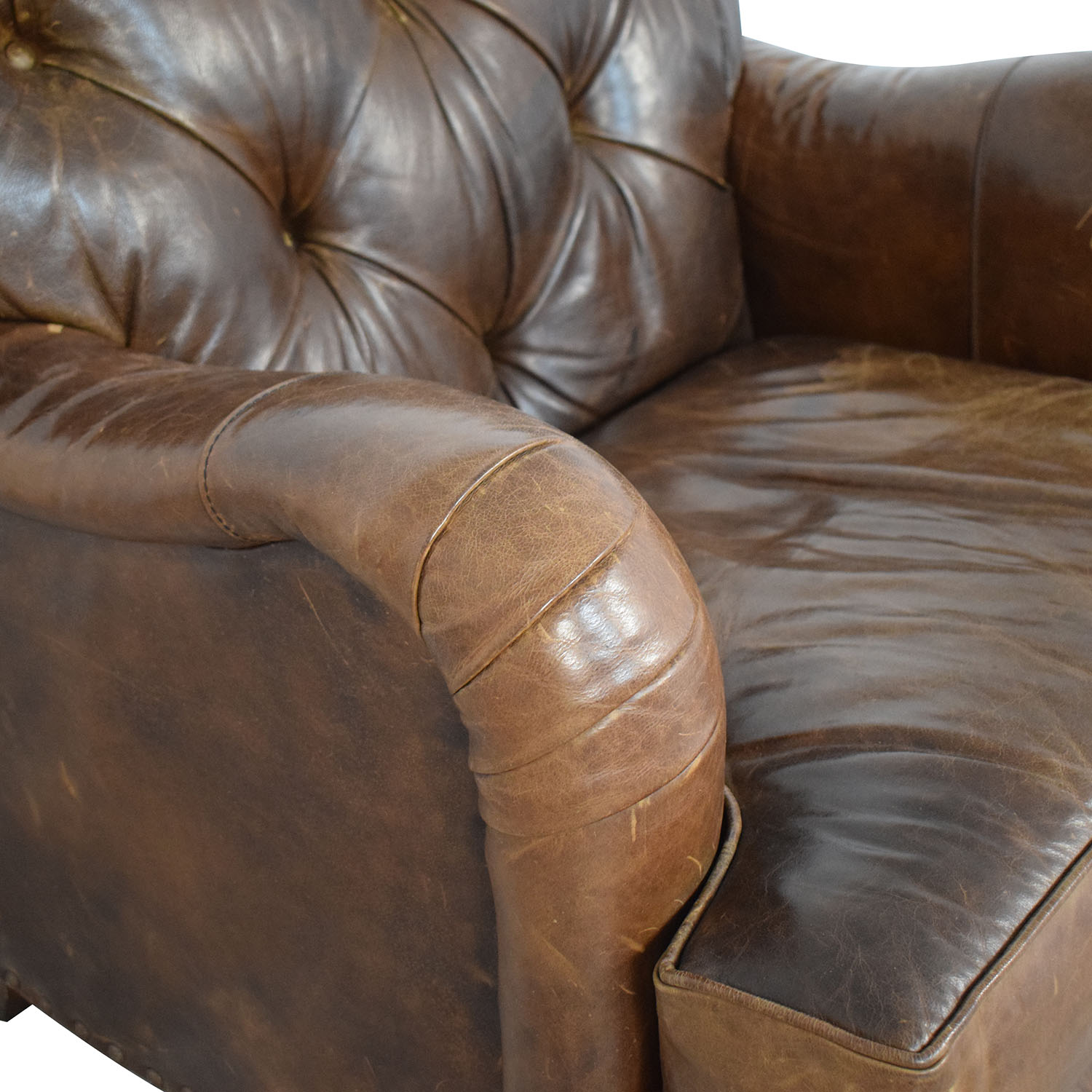 COCOCO COCOCO Chesterfield Accent Chair second hand