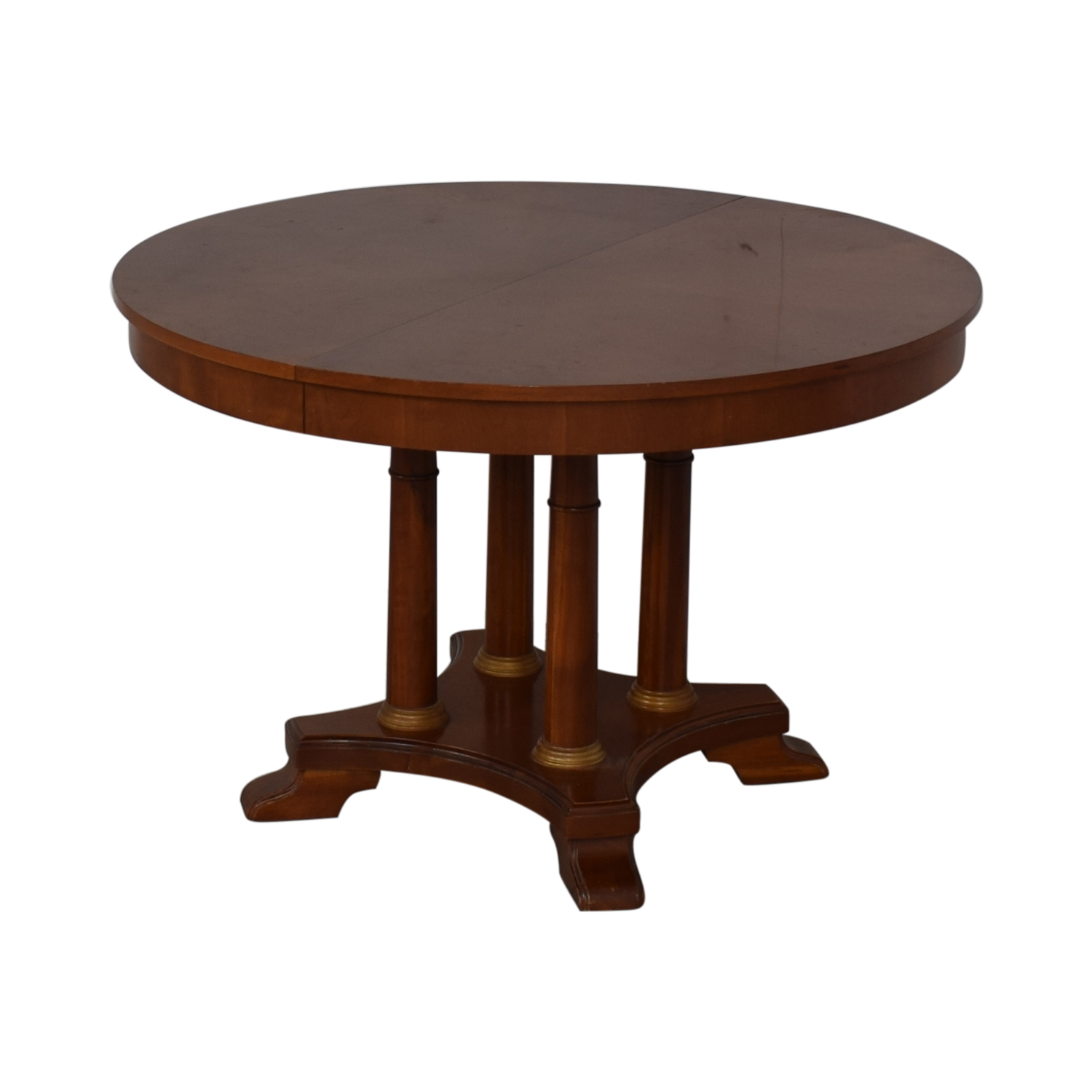 61% OFF   Round Pedestal Dining Table / Tables
