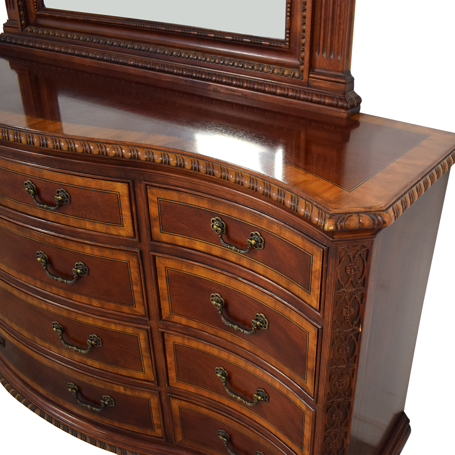 Universal Furniture Chest of Drawers with Mirror Universal Furniture