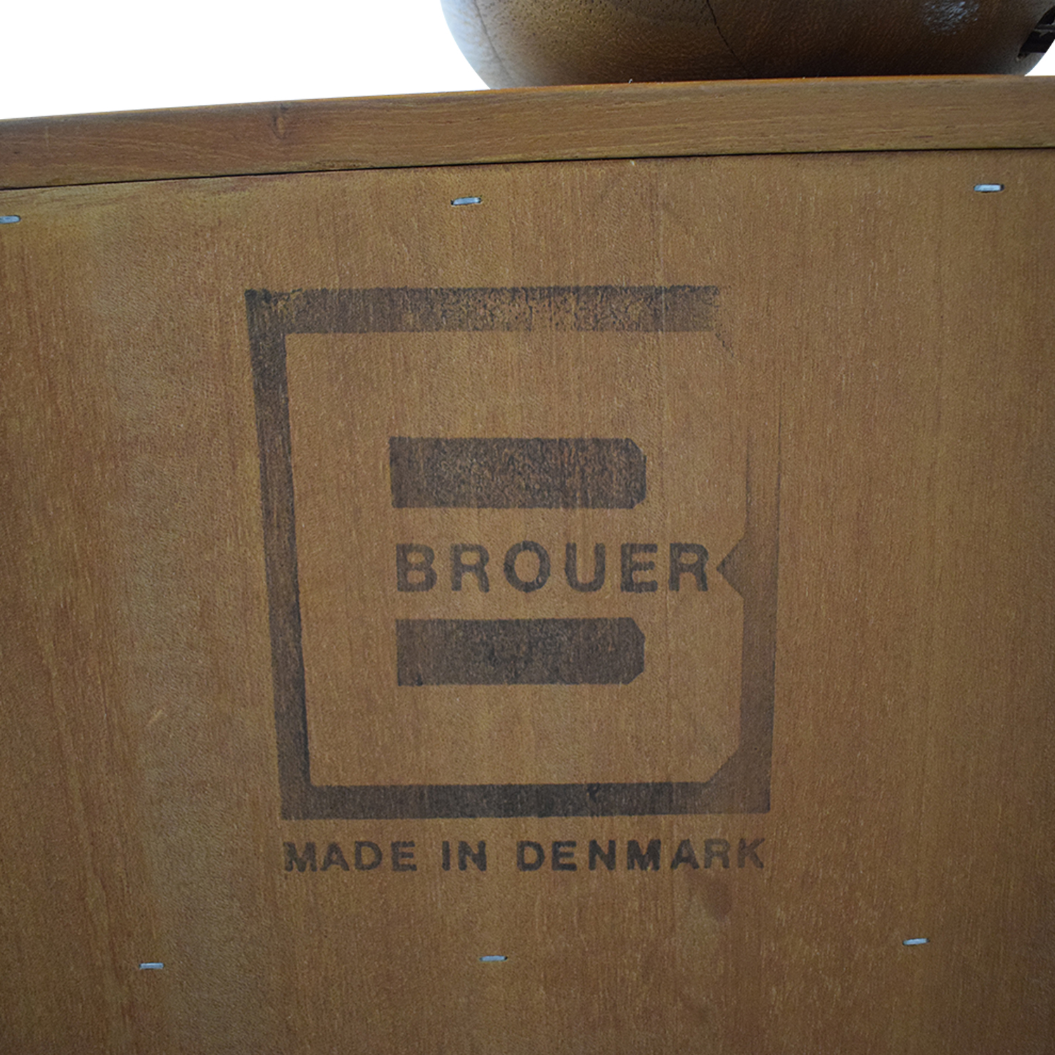 buy Brouer Brouer Queen Bed with Matching Side Tables and Lamps online