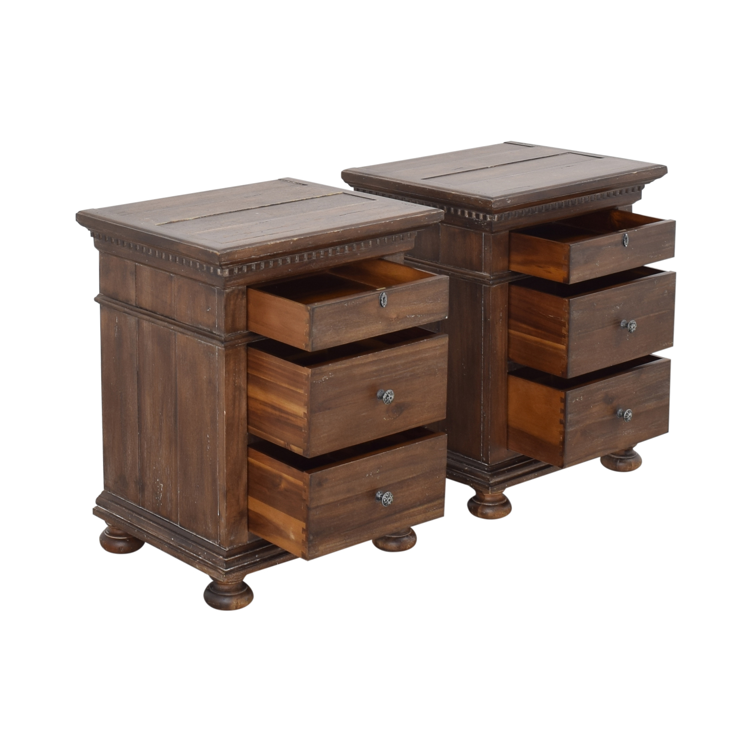 Restoration Hardware Restoration Hardware Saint James Closed Nightstands ma