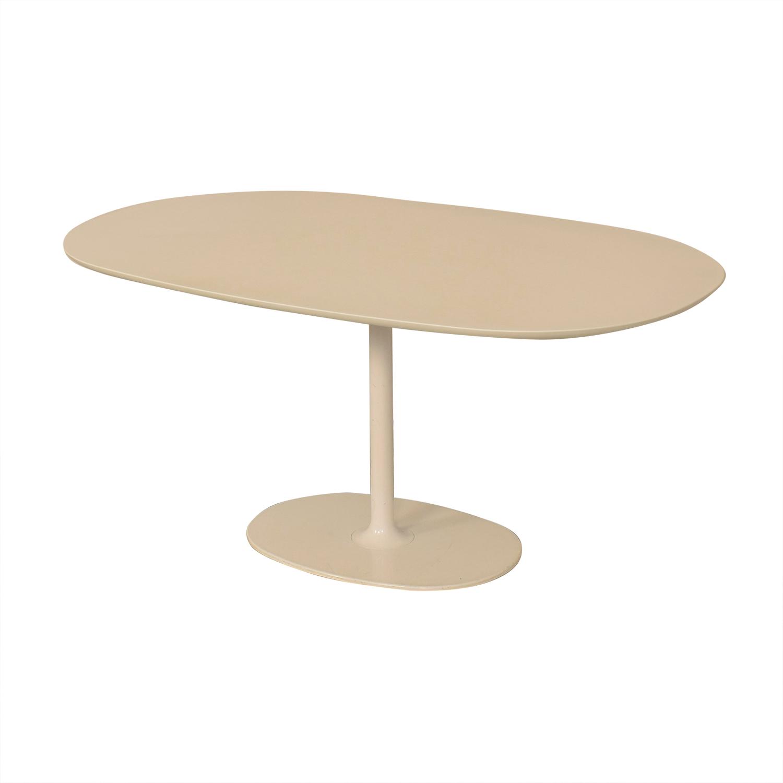 Arper Arper Dizzie Oval Dining Table white