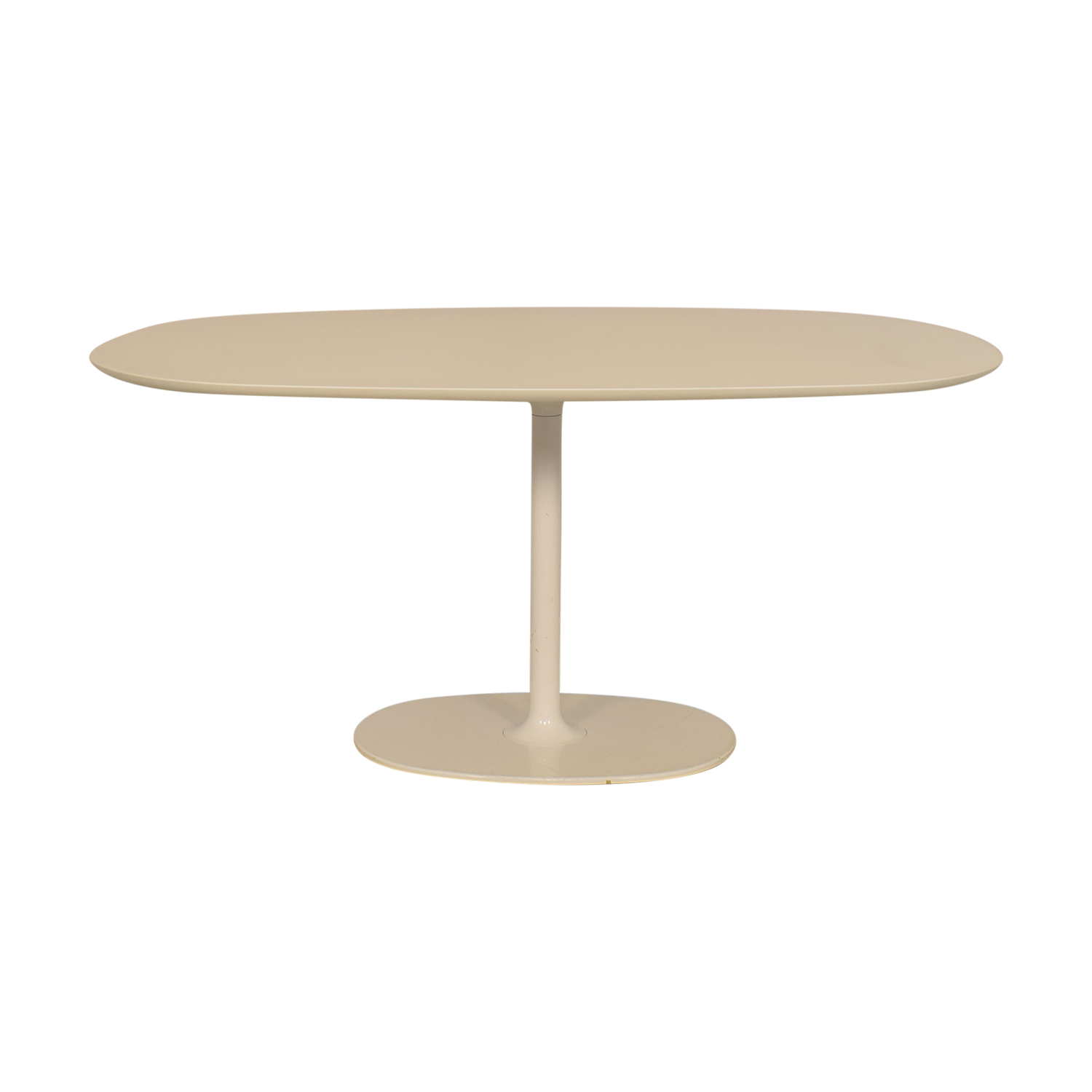 Arper Arper Dizzie Oval Dining Table on sale