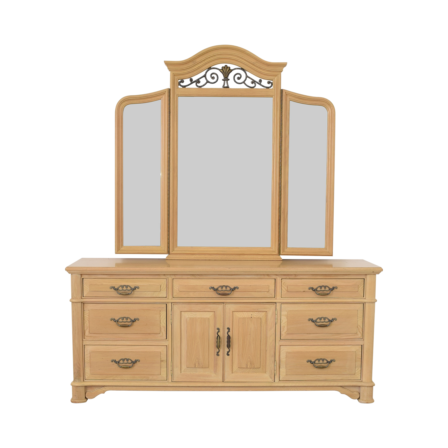 shop Thomasville Triple Dresser with Mirror Thomasville Storage